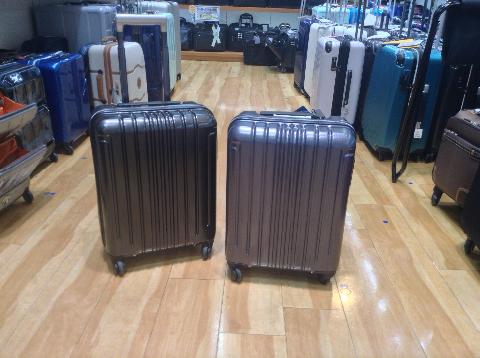 山形フジタ南店より、これからの時期の旅行にも仕事にもオススメ!前輪ロック機能付きスーツケースをご紹介