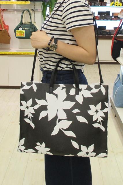 イオン福島店より サマーコーデに最適!「EMODA」2WAYトートバッグ
