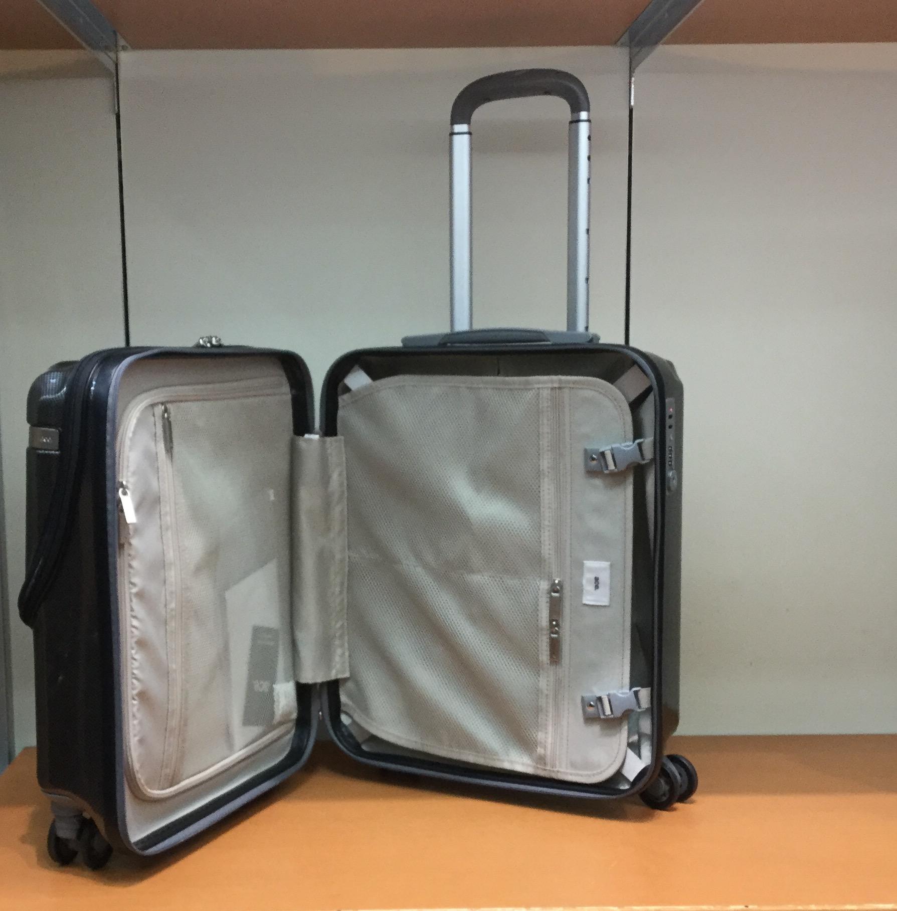 ここが新機能‼︎頻繁に出し入れする方におススメ一押しスーツケース!